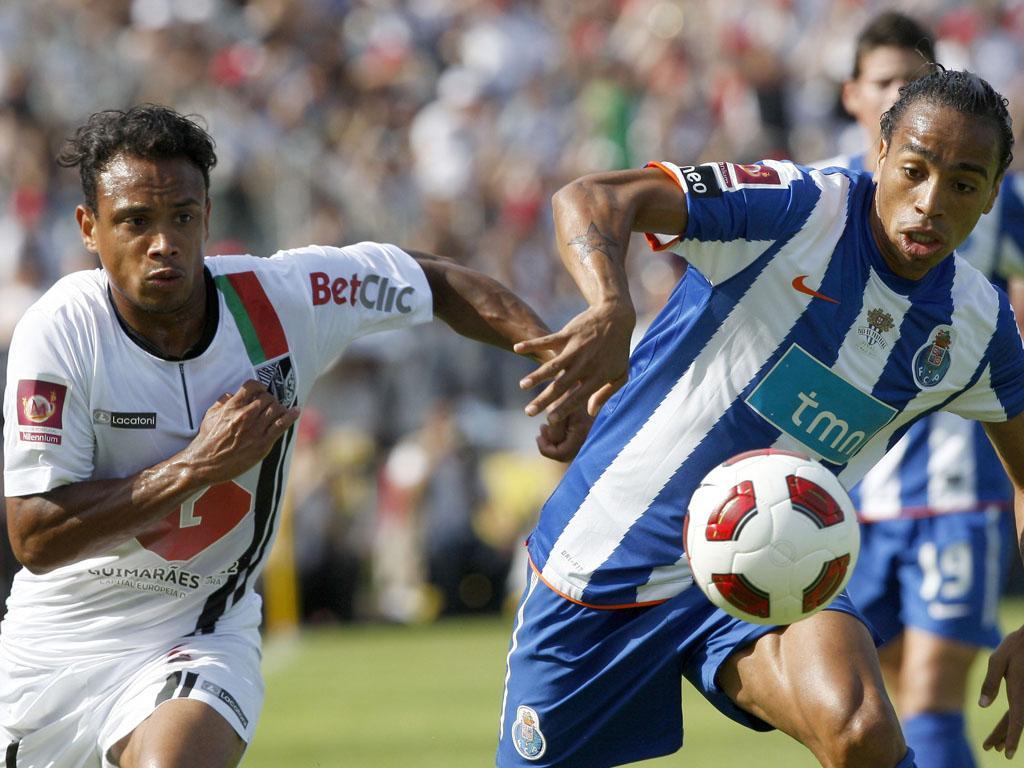 FC Porto-V. Guimarães: domínio azul, goleadas e um falhanço de Juary