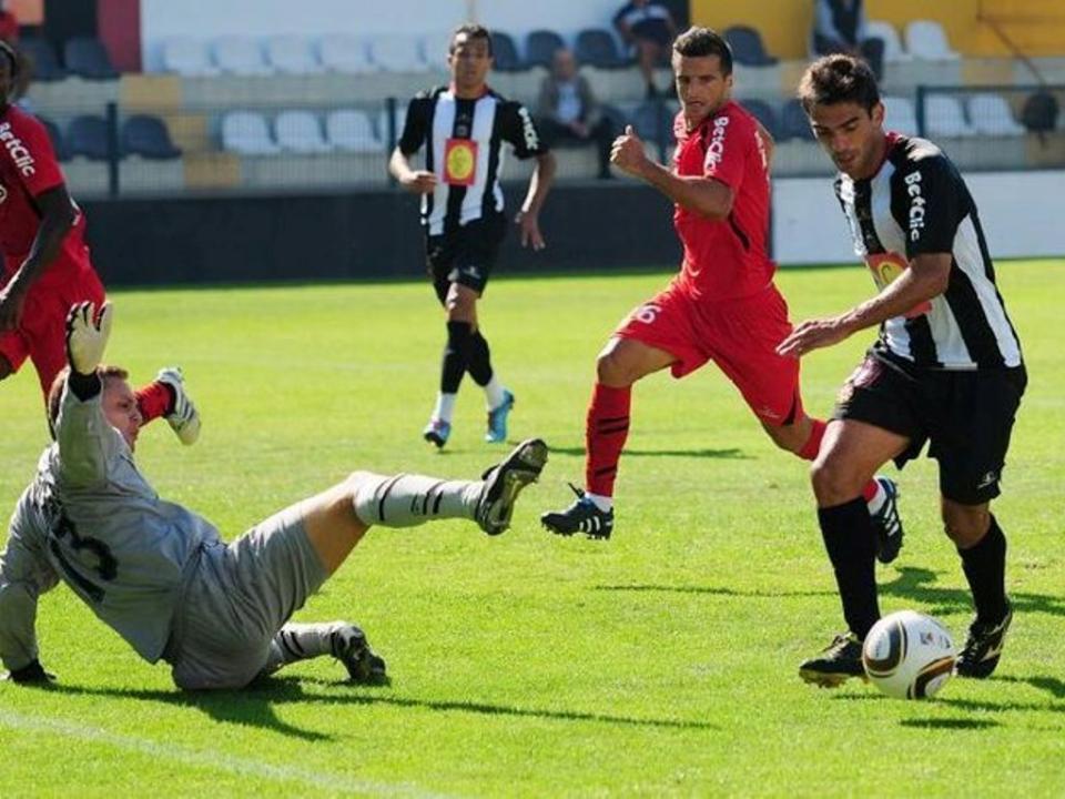 Benfica: jogadores do Varzim estão a ser desviados
