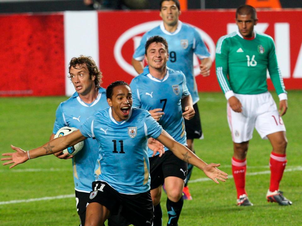 b990f07dbd F.C. Porto  uruguaios e Otamendi ausentes