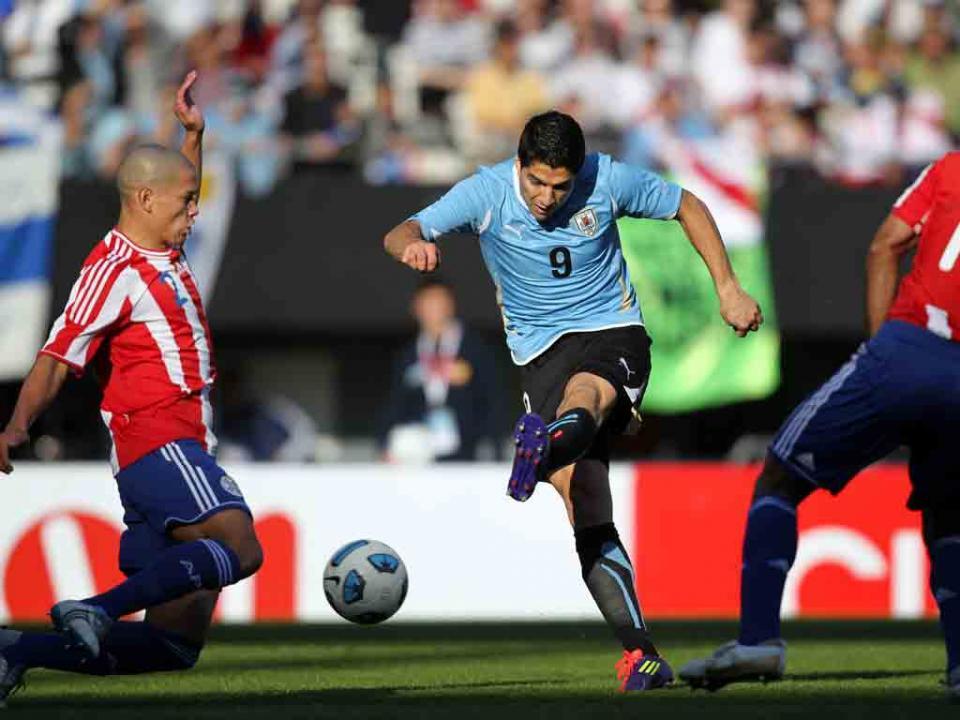 VÍDEO: homenagem do Uruguai aos 50 golos de Luis Suárez