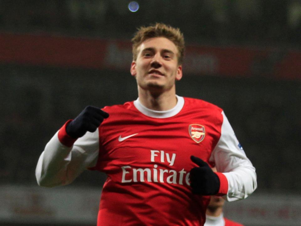 Bendtner rescindiu com Arsenal