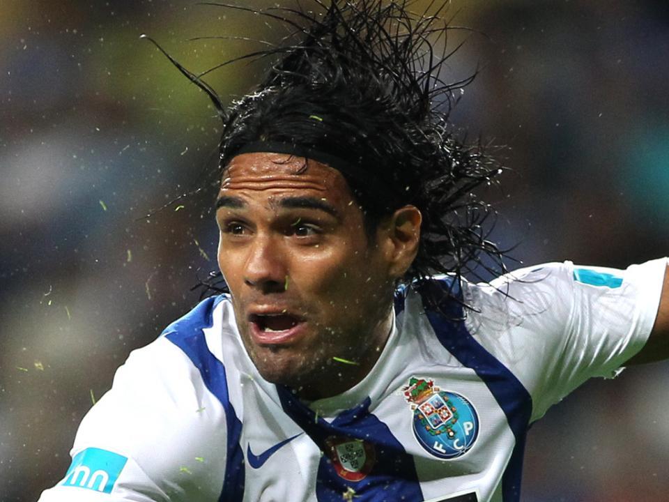 F.C. Porto: tudo sobre a venda de Falcao e a compra de Danilo