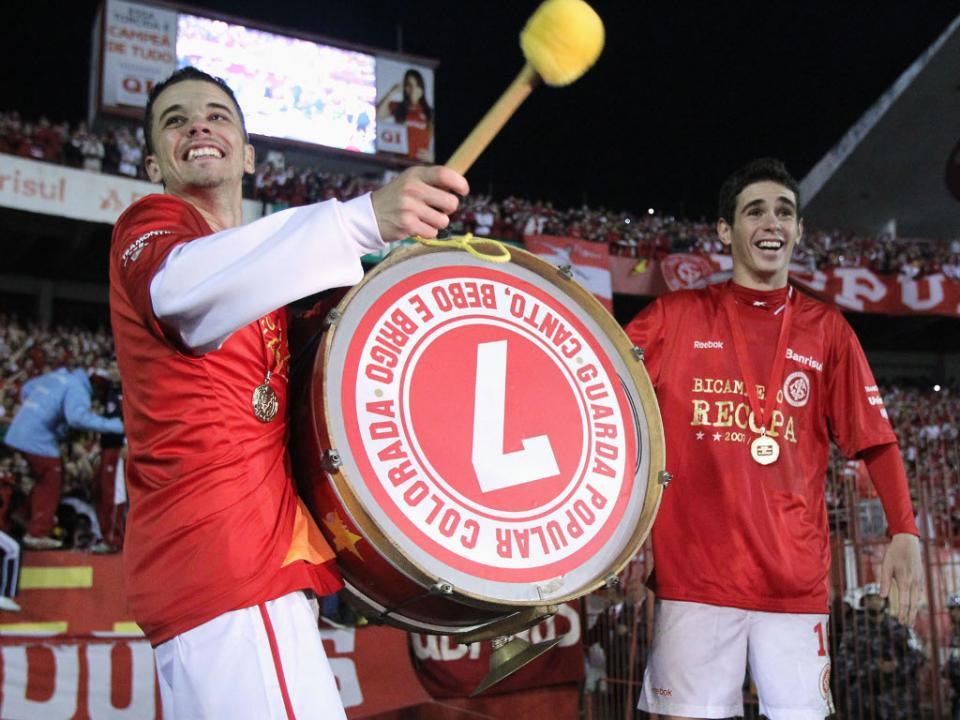 Brasileirão: Santos vence Internacional em Porto Alegre