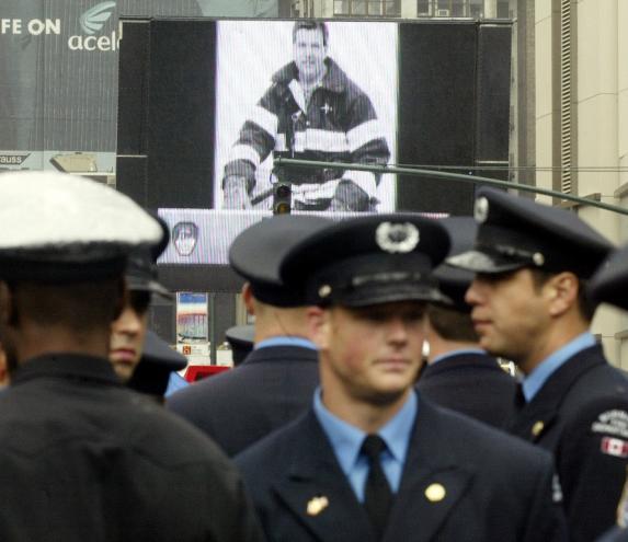 Bombeiros de Nova Iorque [Foto: Reuters]