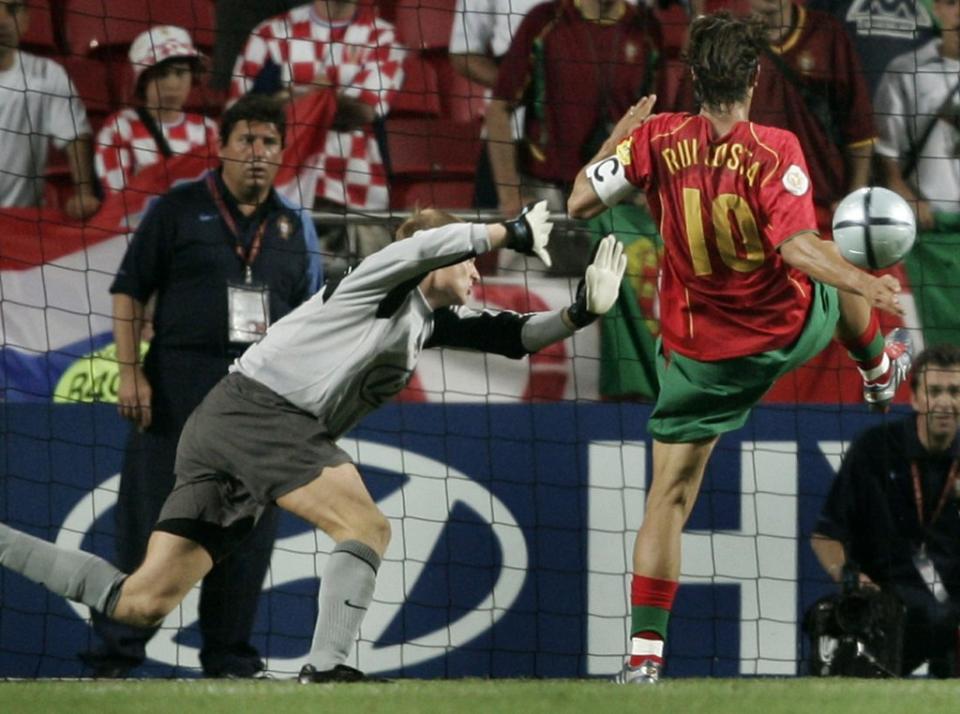 c94ba845f7 Cinco golos portugueses entre os 60 melhores da UEFA