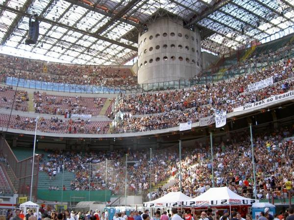 Polícia italiana investiga grandes clubes de futebol por suspeita de evasão fiscal