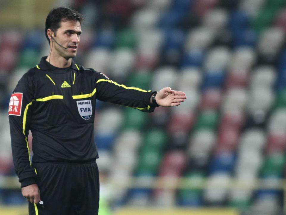 Carlos Xistra arbitra o FC Porto-Rio Ave
