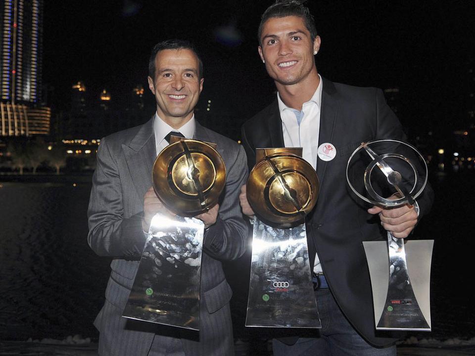 Jorge Mendes: «Cristiano é jogador do Real, é um dia para estar feliz»