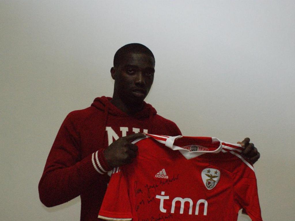 Oficial: Djaniny assina por 5 épocas com o Benfica