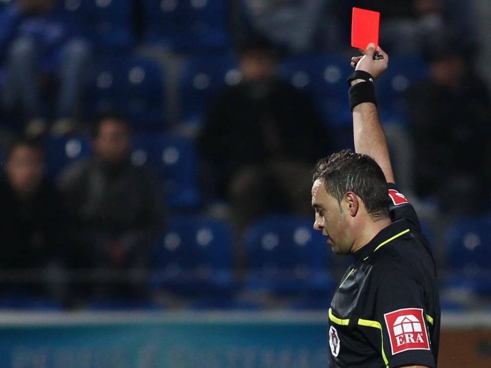 Presidente da APAF presencia agressão a árbitro em jogo de... infantis