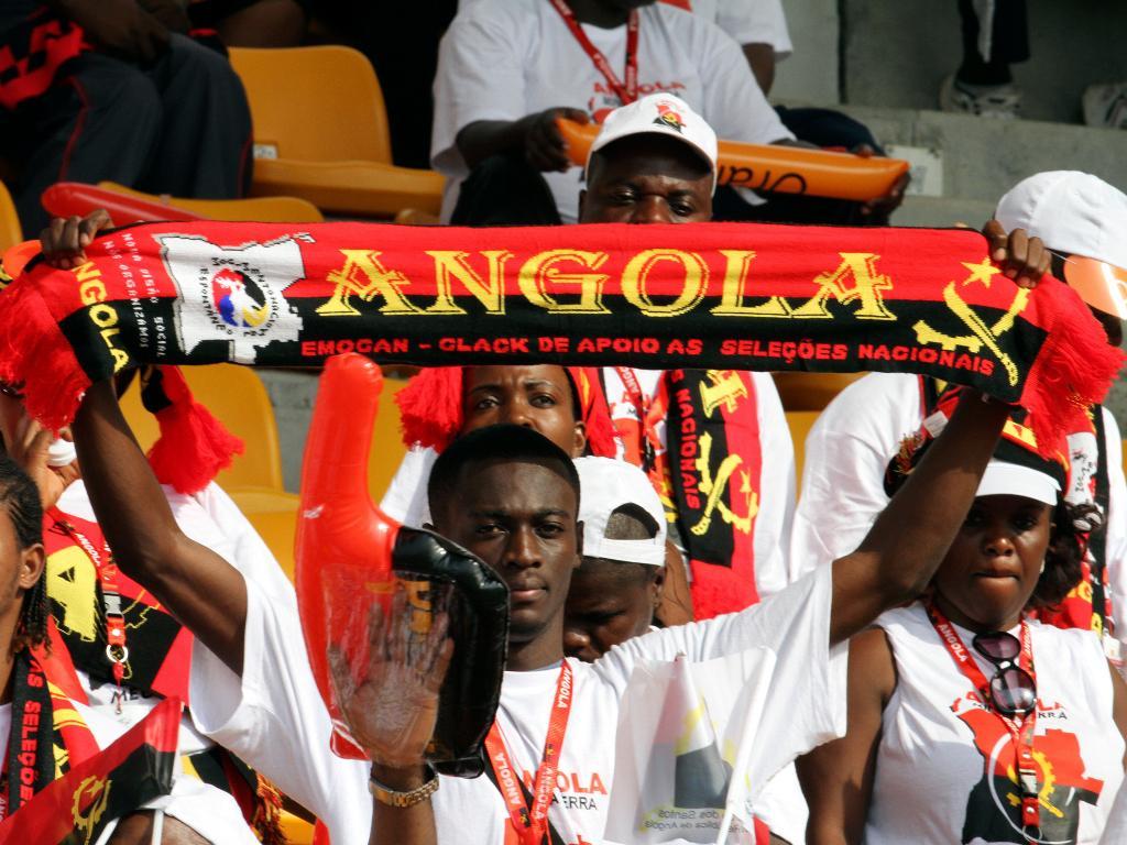 Ex-FC Porto bisa no empate entre Angola e Zimbabwe