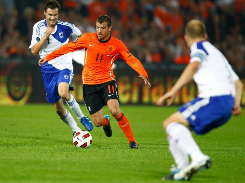 Holanda: Van der Vaart anuncia o final da carreira