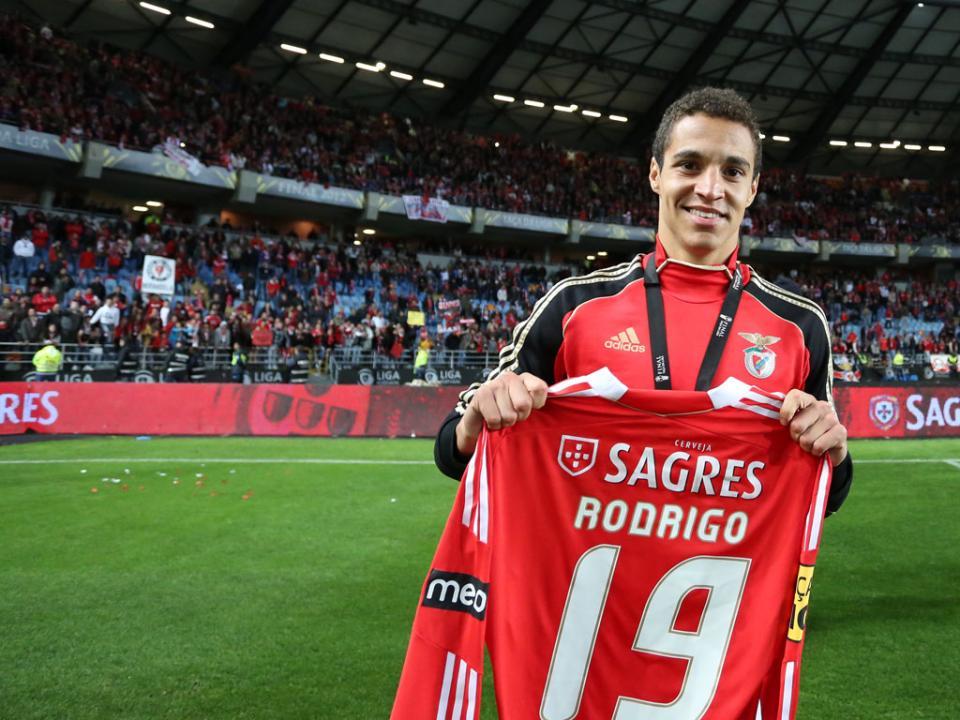 2101fa2c0f00e Del Bosque avalia Rodrigo (Benfica)  «goleador experiente»
