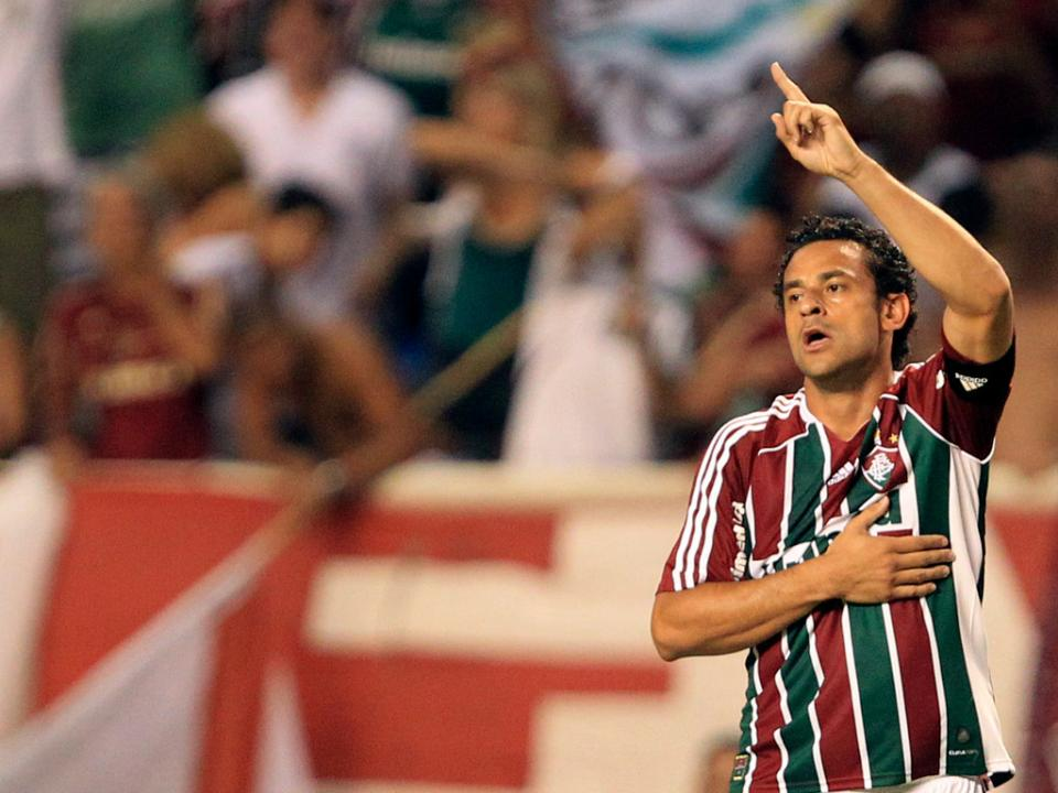 Mundo Brasil: Fred sobrevive à Copa e é rei no Flu