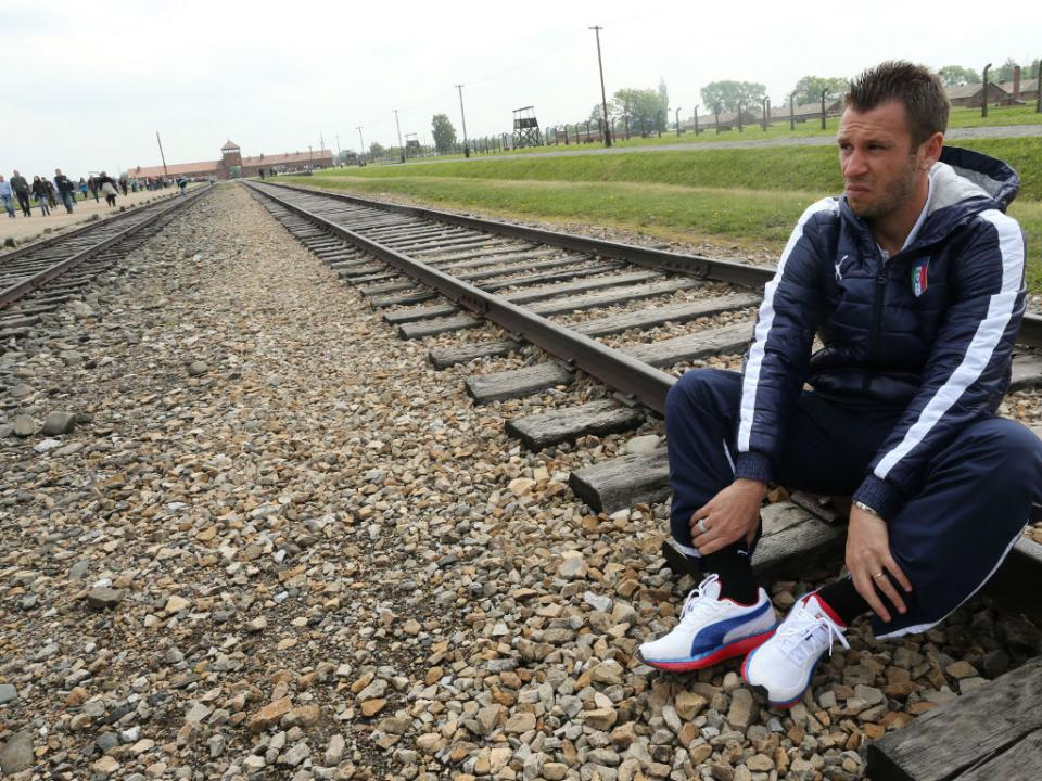 Cassano anuncia fim de carreira aos 36 anos