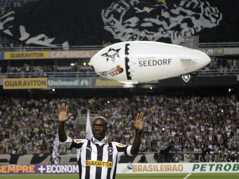 Oswaldo de Oliveira sai do Bota e é hipótese para o Santos