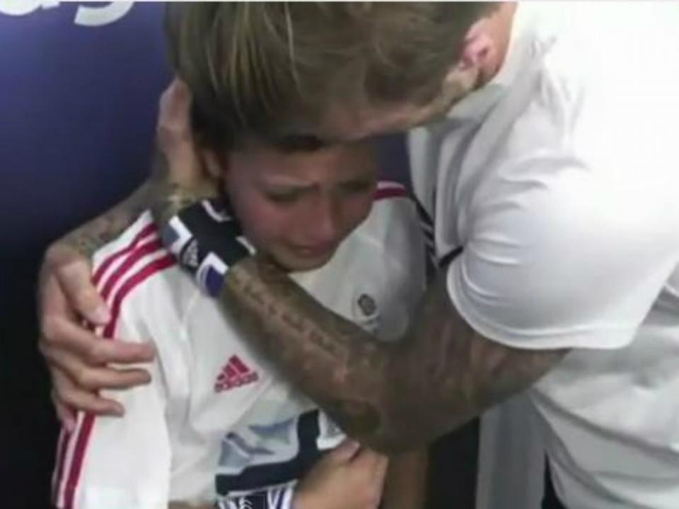 Beckham assina pelo Arsenal por um ano