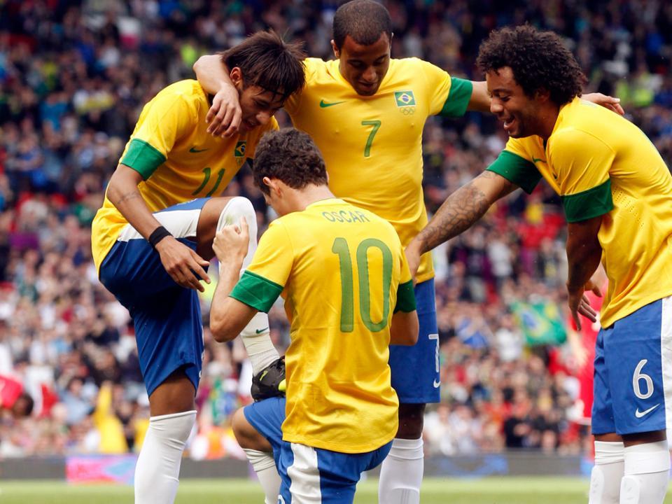 Scolari vai juntar Óscar e Ramires frente a Portugal