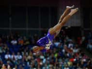 Ginasta Gabrielle Douglas dos Estados Unidos nos Jogos Olímpicos de Londres de 2012 (Reuters)