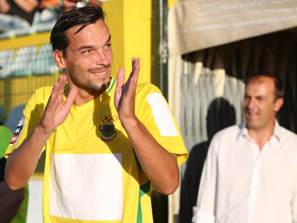 Paços Ferreira: entorse no joelho afasta André Leão dos relvados