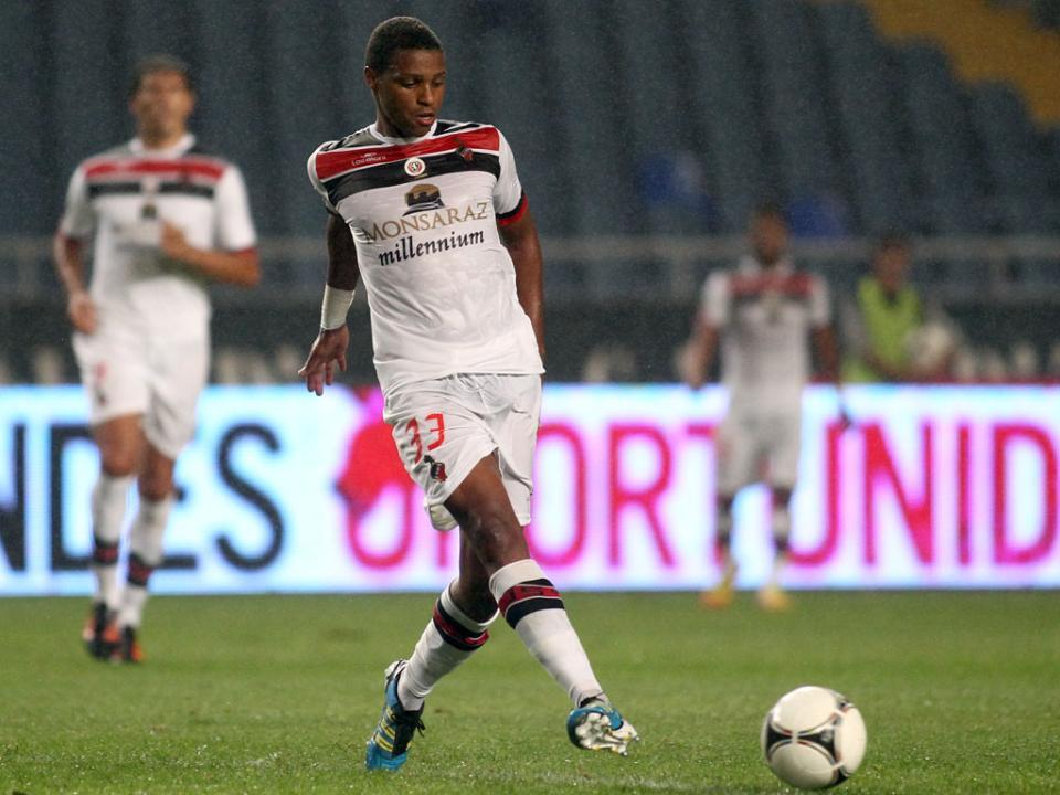 Vasco Fernandes (ex-Aris) vai jogar no Pandurii