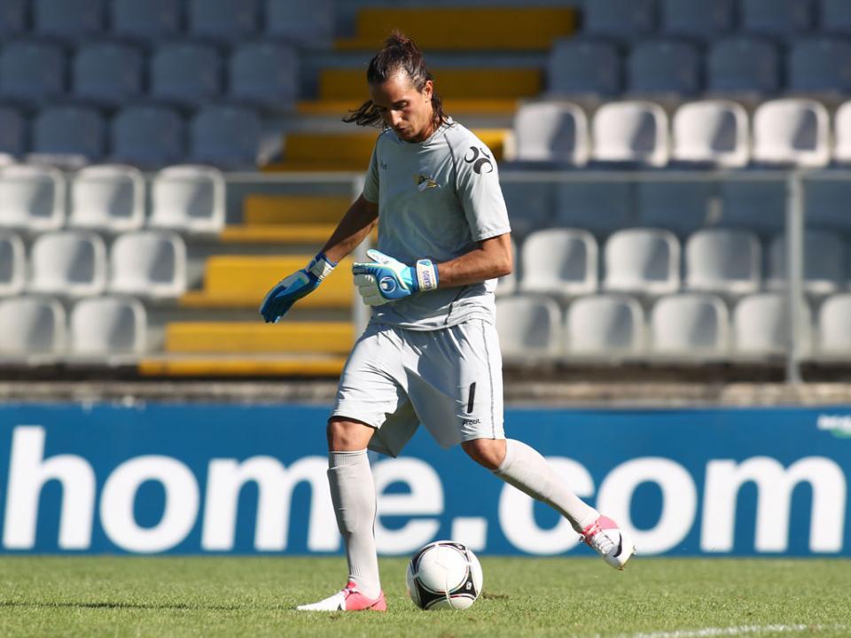 OFICIAL: Ricardo Ribeiro assina pelo Belenenses