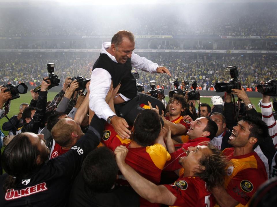 Galatasaray anuncia Fatih Terim como treinador pela quarta vez