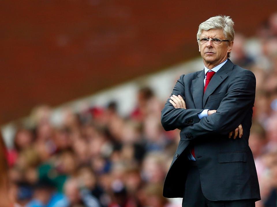 Arsène Wenger sem «pressa» para renovar