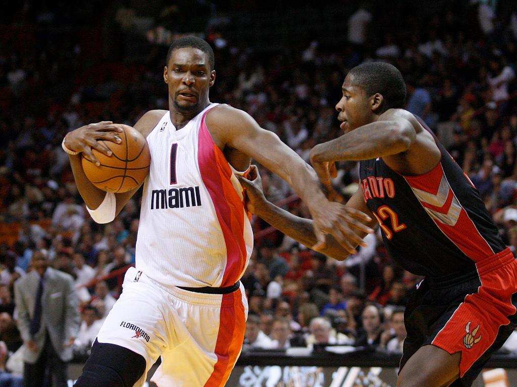 Miami Heat dispensam Chris Bosh mas prometem homenagem — NBA