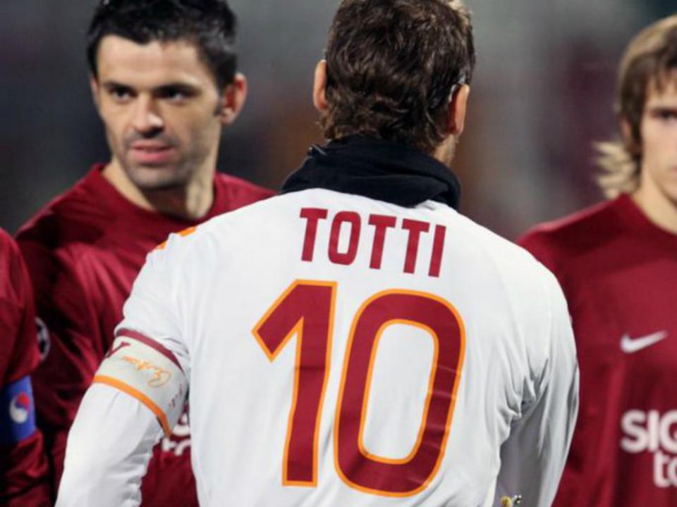 Totti prepara-se para renovar com a Roma até aos 40 anos
