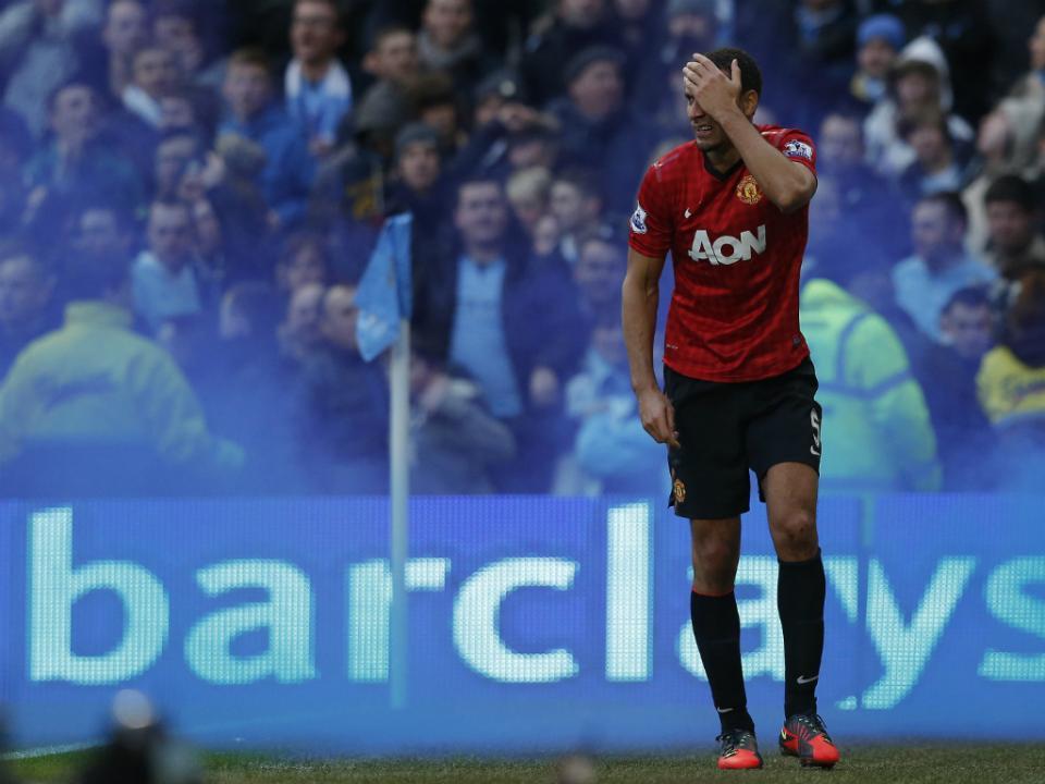 Inglaterra: Rio Ferdinand anuncia o adeus