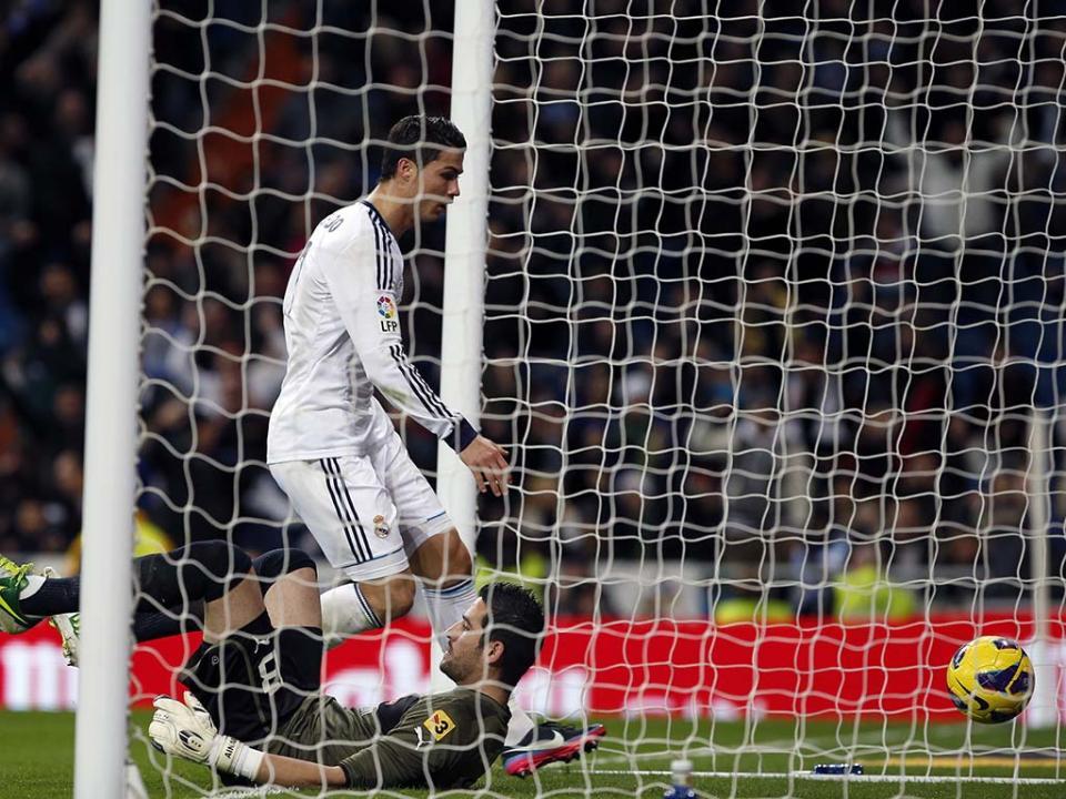Cristiano Ronaldo nunca marcou tantos golos como em 2012 ... aa6e97f00c882