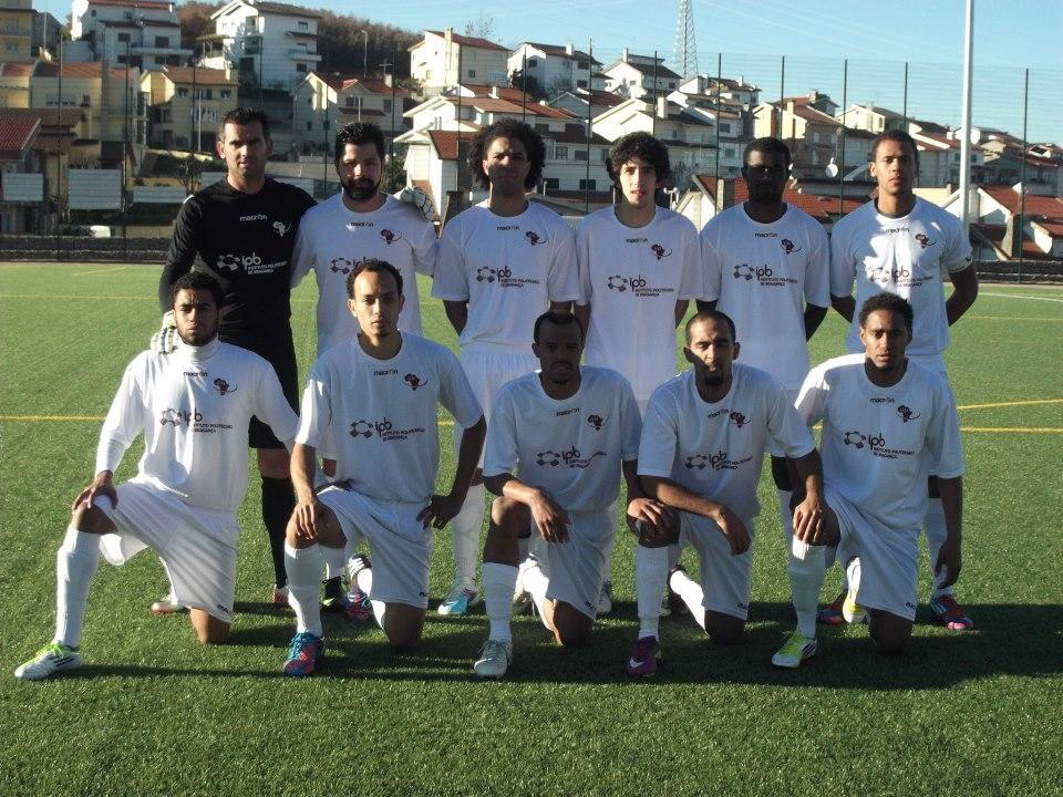 Futebol, cachupa e mornas em Bragança