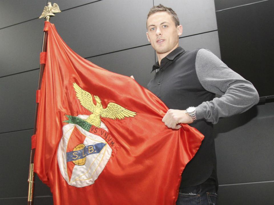Irmãos no futebol: um antigo «debate» no Benfica