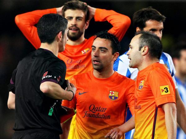 Real-Barça: árbitros denunciam Piqué por causa das algemas