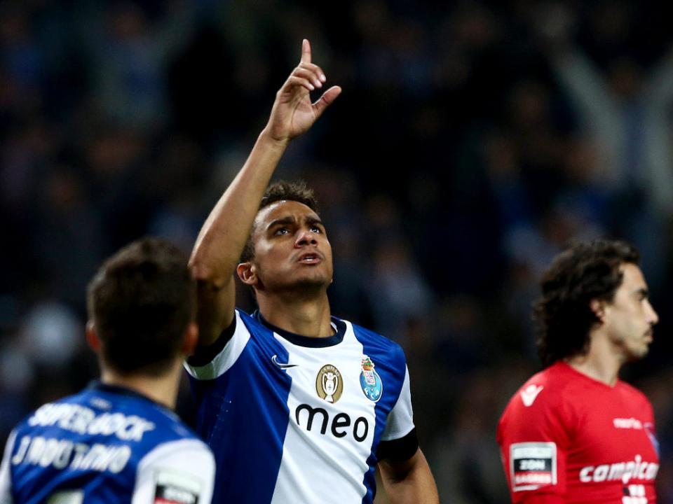 FC Porto: Danilo recuperado em mais um treino com os B