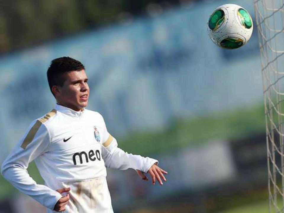 Mauro Caballero: «Peço ao FC Porto para não desistir de mim»