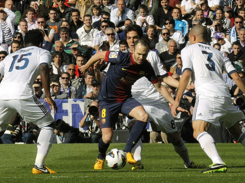 Clássico entre Barcelona e Real Madrid pode ter horário inédito