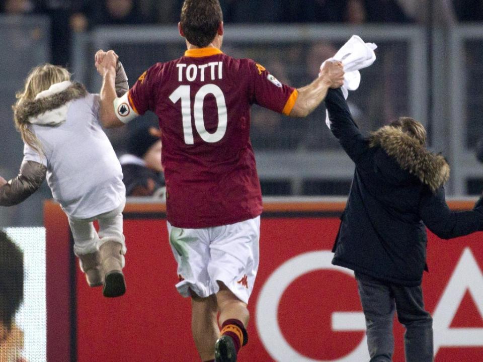 «Se Messi viesse para a Roma eu ia dar-lhe a camisola 10 ao aeroporto»