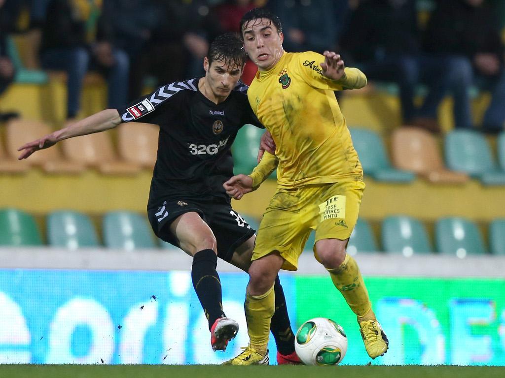 F.C. Porto: Josué volta a casa e reforça meio-campo