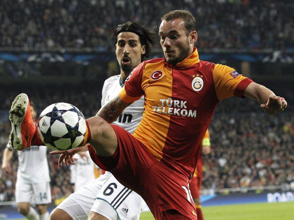 Sneijder: «Mourinho é a única pessoa que pode dar a volta à situação»