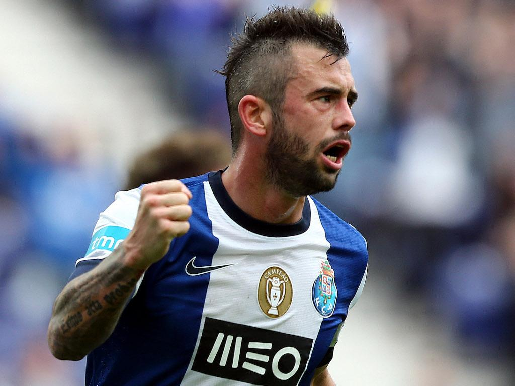 Sp. Braga-F.C. Porto: Abdoulaye e Defour titulares