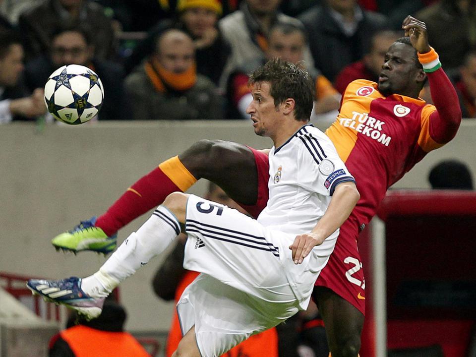 Eboué vive situação dramática, Galatasaray disposto a ajudar