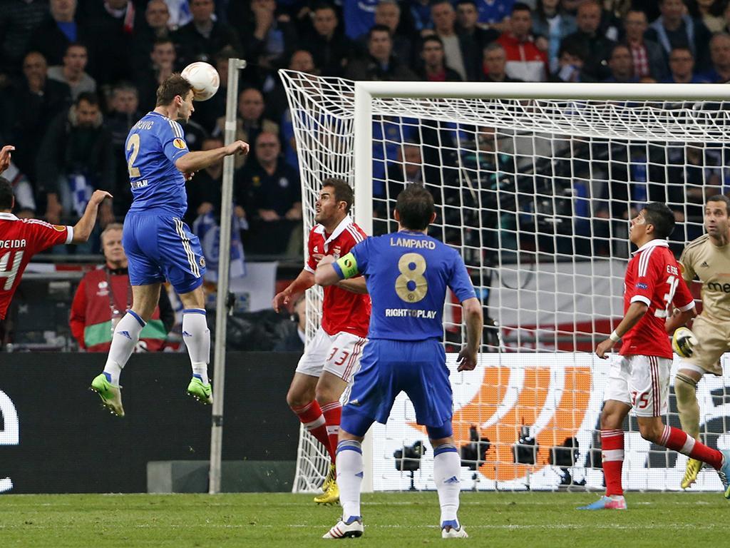 Mercado: Ivanovic rescindiu com o Chelsea e assinou pelo Zenit