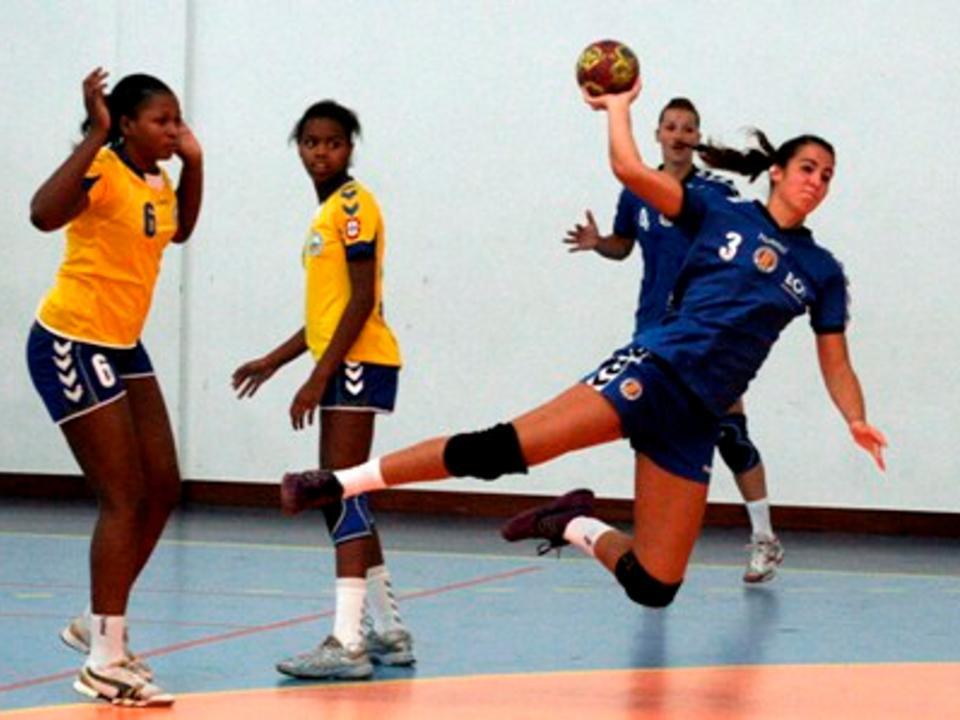 0a59f2335bfa4 Madeira SAD vence Taça de Portugal de andebol feminino