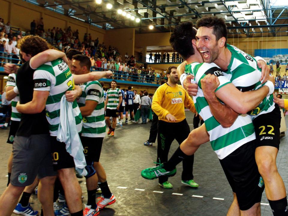 Andebol: Sporting entra a vencer no campeonato