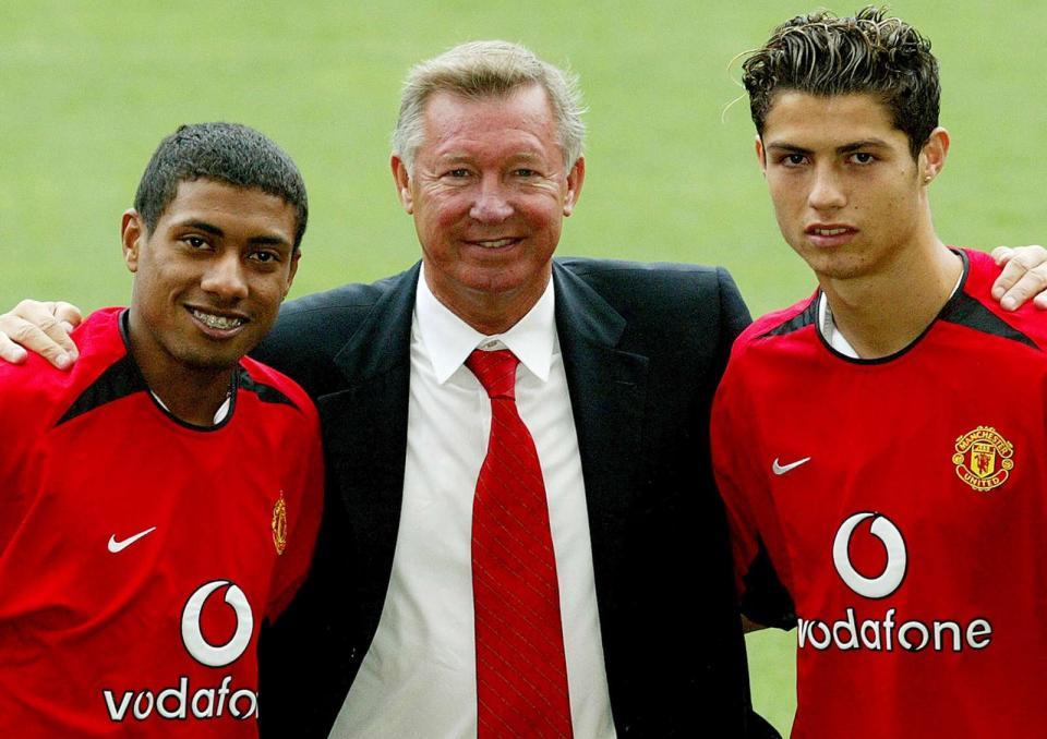 Kléberson diz-se enganado por Ronaldinho para assinar pelo Manchester Utd