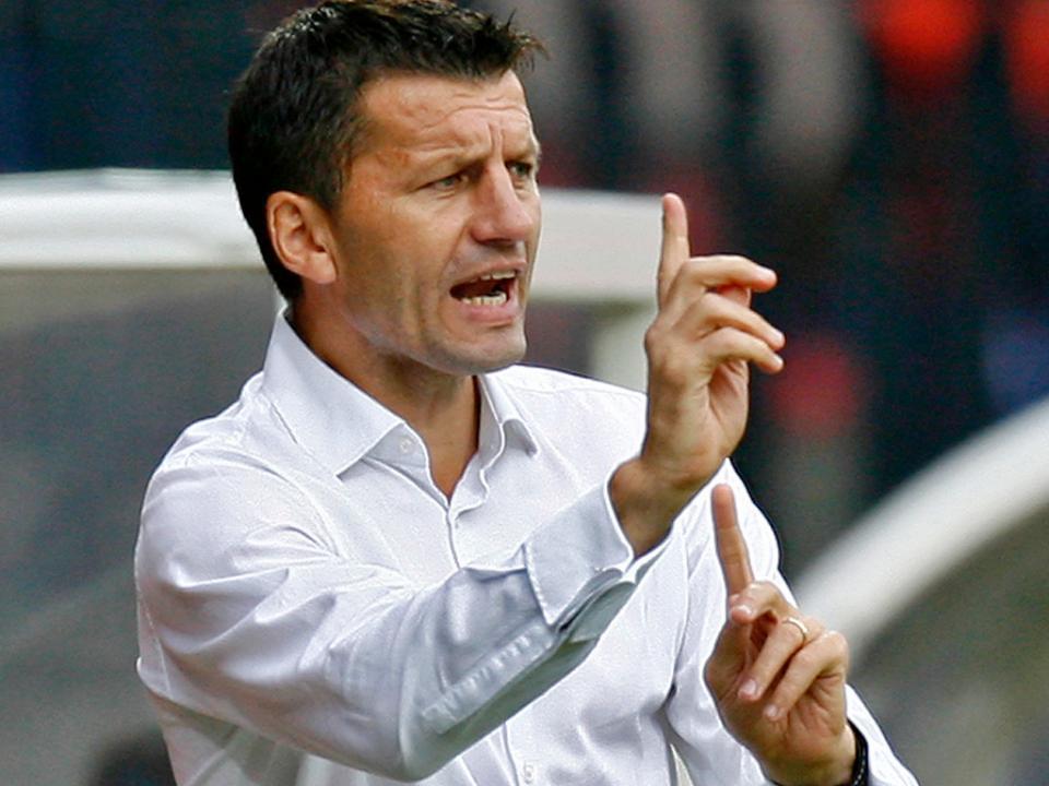 Ferrer substituído por Djukić no comando do Córdoba