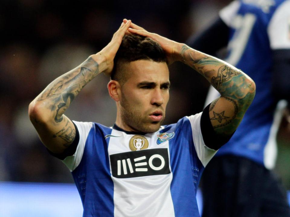 CONFIRMADO: FC Porto não inscreveu Otamendi na UEFA
