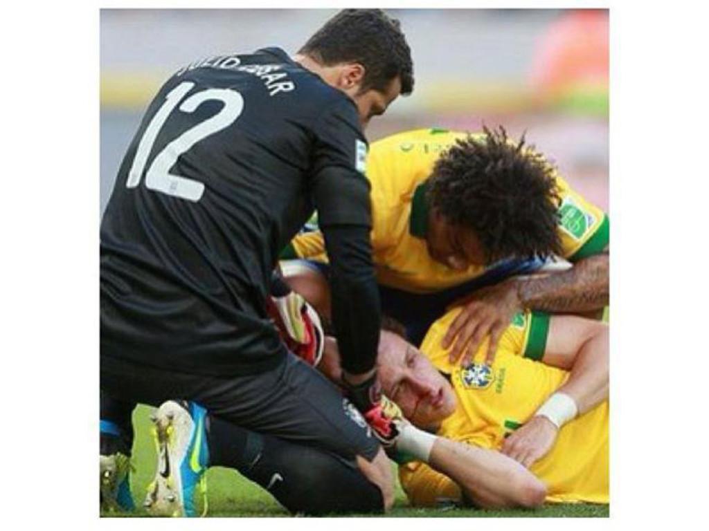 David Luiz partiu o nariz e tem de jogar de máscara